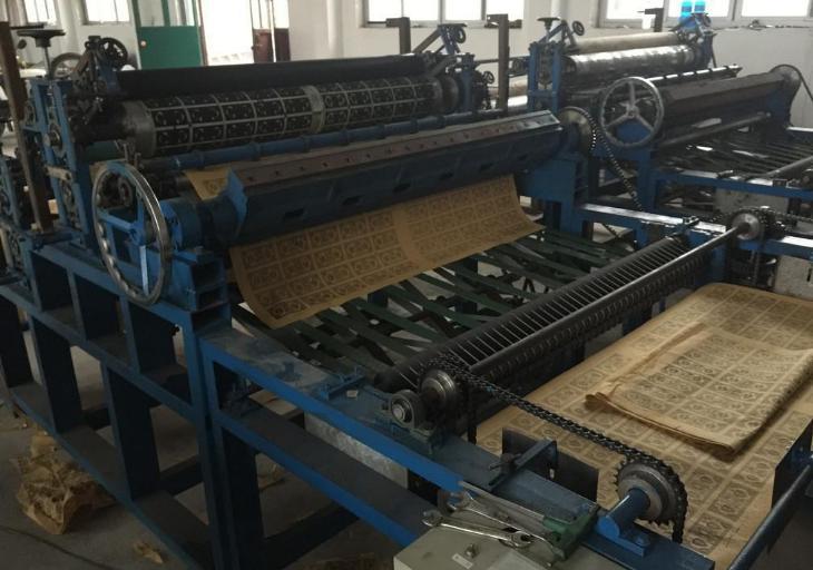 烧zhi单轴印刷压花一体机