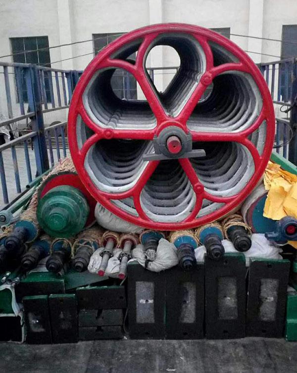 发wang山dongcaoxian1575型烧缸造纸机设备yi套走起走起,的造纸机设备质量好,服务好,你还在you豫什么。发货现场
