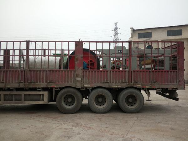 发wang山dongjia祥xianbao寺镇孔老板购买的第二台平板纸787型烧纸造纸机以及烧纸qie纸机